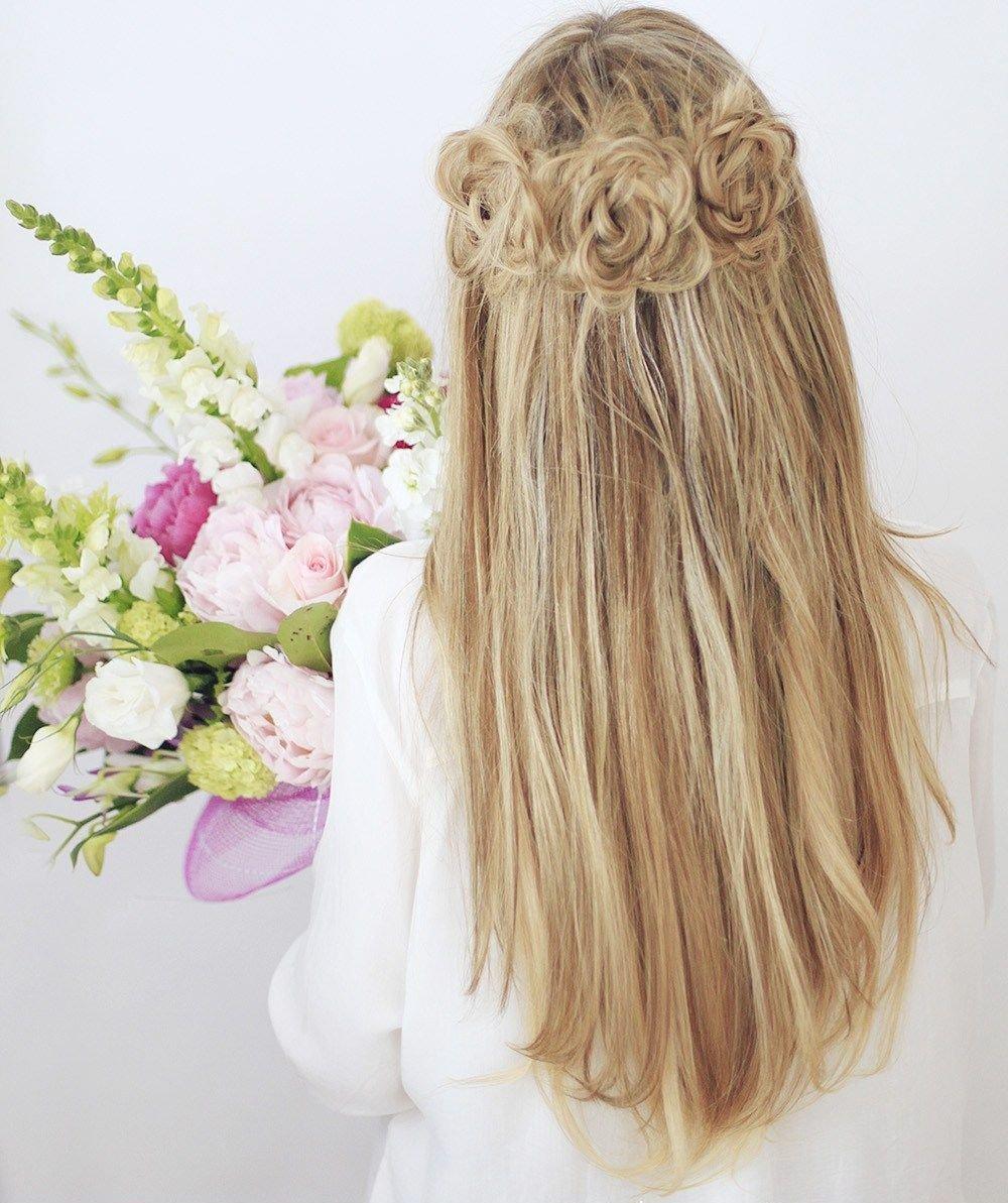 прически на распущеные волосы
