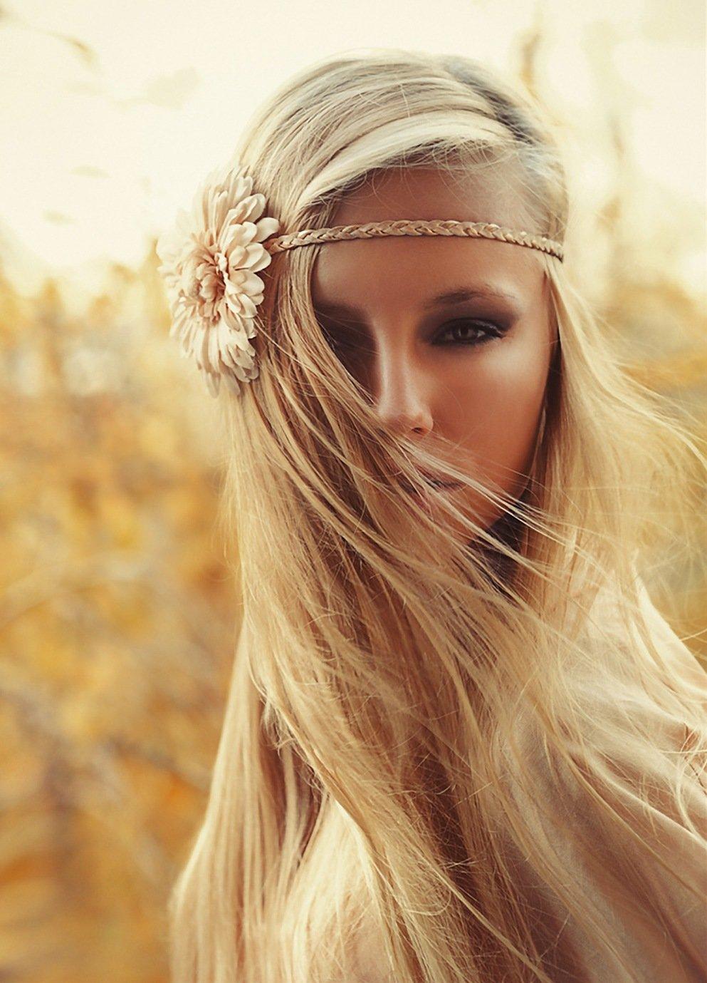Прически на длинные волосы (50 фото)