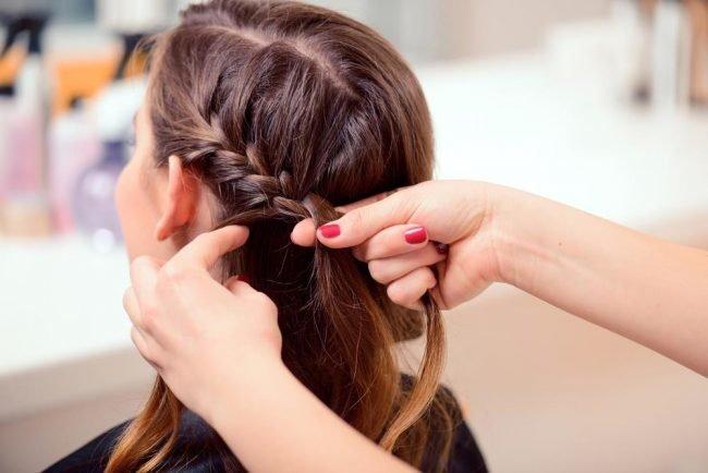 pricheski_na_srednie_volosi_-12-650x434 Прически на средние волосы: 100 фото самых стильных укладок