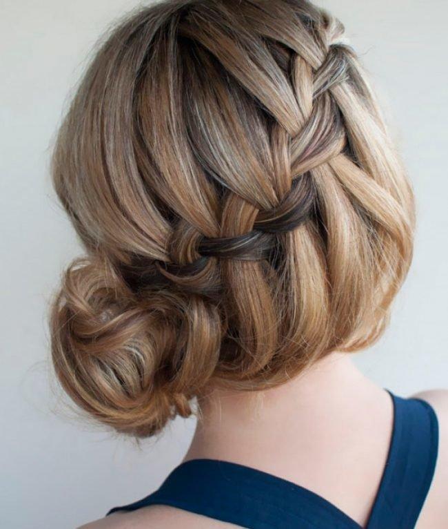 pricheski_na_srednie_volosi_-33-650x766 Прически с локонами на средние волосы своими руками