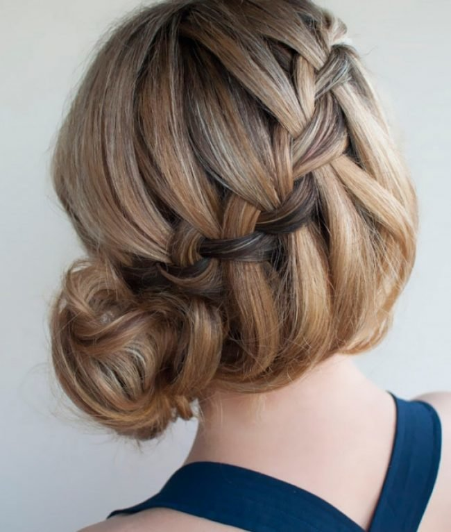 pricheski_na_srednie_volosi_-33-650x766 Красивые стрижки на средние волосы 2019-2020, фото, идеи стрижки на средние волосы