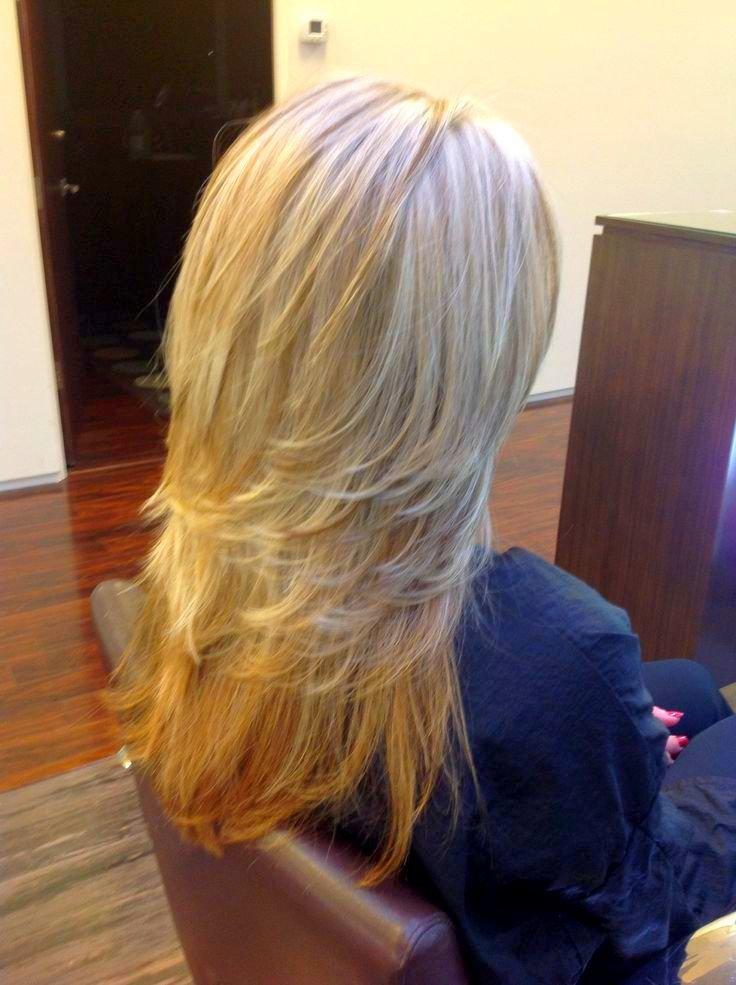 Стрижка на светлые волосы каскад