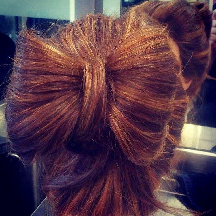 Как сделать бантик из волос для коротких волос