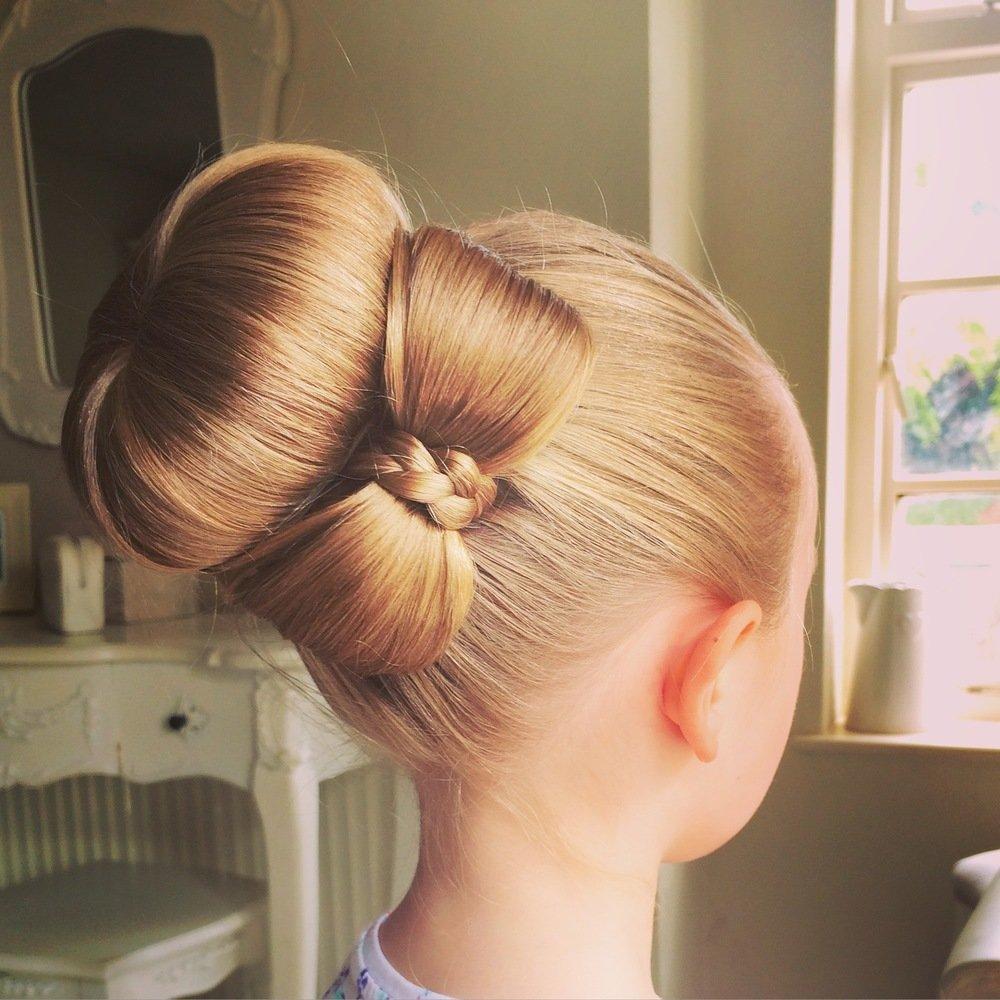 Причёски с бубликом бант из волос