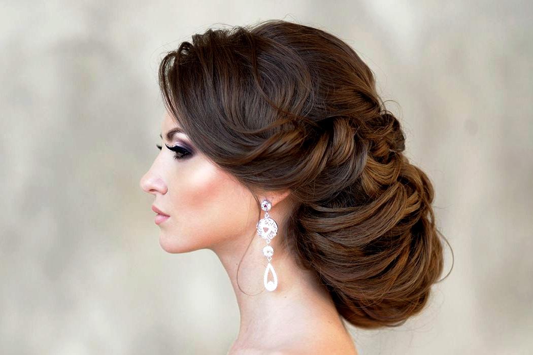 jewellerymag-ru-1-wedding-hairstyle Красивые стрижки на средние волосы 2019-2020, фото, идеи стрижки на средние волосы