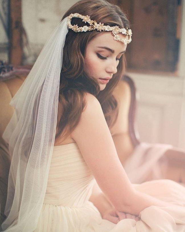 sadebnie_pricheski_na_srednie_volosi_-19-650x812 Прически на средние волосы: 100 фото самых стильных укладок