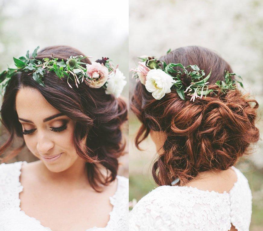 Прическа с цветами для невесты короткие волосы