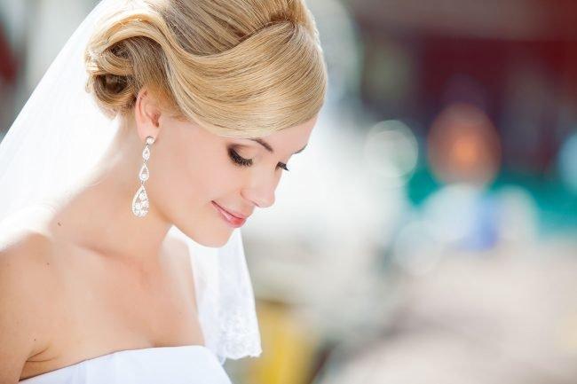 sadebnie_pricheski_na_srednie_volosi_-34-650x433 Прически на средние волосы: 100 фото самых стильных укладок