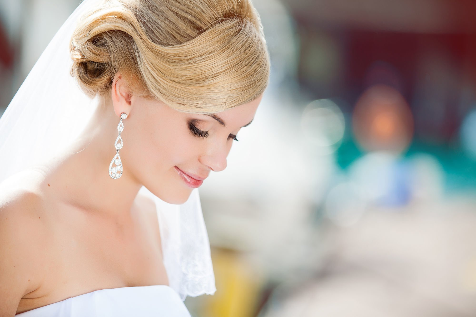 sadebnie_pricheski_na_srednie_volosi_-34 Прически на средние волосы: 100 фото самых стильных укладок