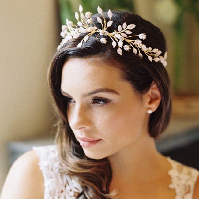 sadebnie_pricheski_na_srednie_volosi_-36-650x650 Прически на средние волосы: 100 фото самых стильных укладок
