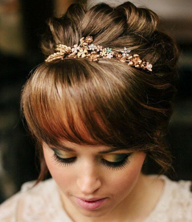 sadebnie_pricheski_na_srednie_volosi_-47-650x752 Прически на средние волосы: 100 фото самых стильных укладок