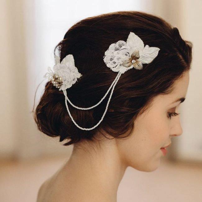 sadebnie_pricheski_na_srednie_volosi_-7-650x650 Прически на средние волосы: 100 фото самых стильных укладок