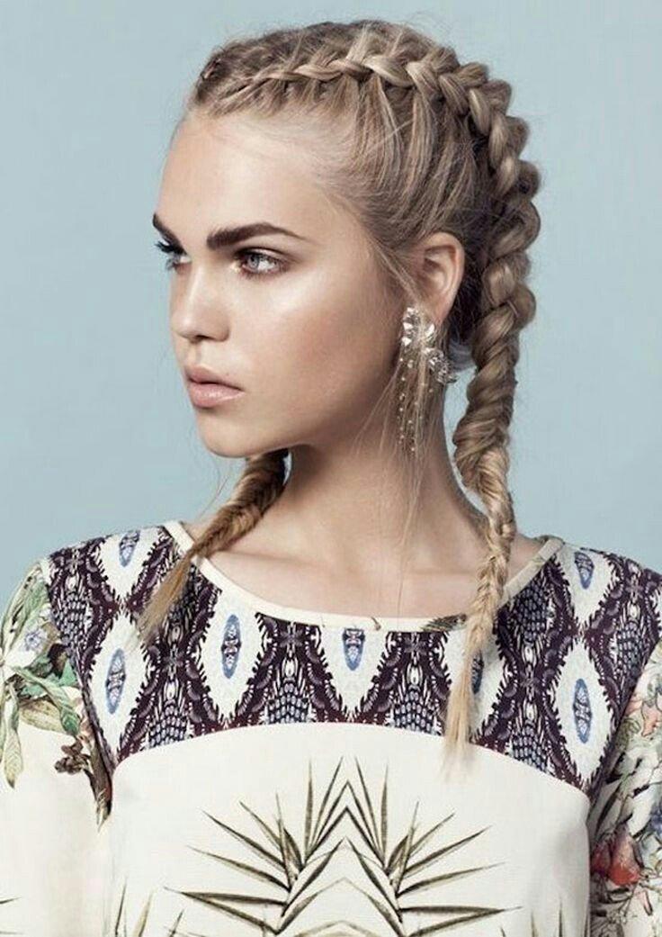 Прически для распущенными волосами с обручем 3