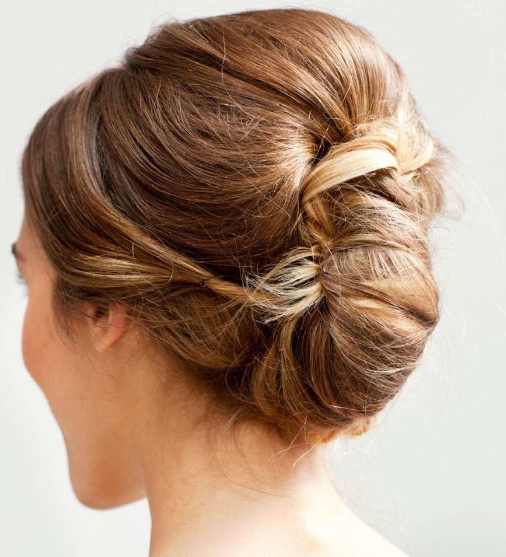 Вечерняя прическа на средние волосы ракушка
