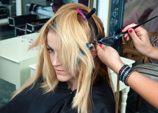 okrashivanie_volos_-33-650x466 Омбре на короткие волосы: варианты окрашивания, фото. Омбре окрашивание на темные короткие волосы и блонд в домашних условиях: фото