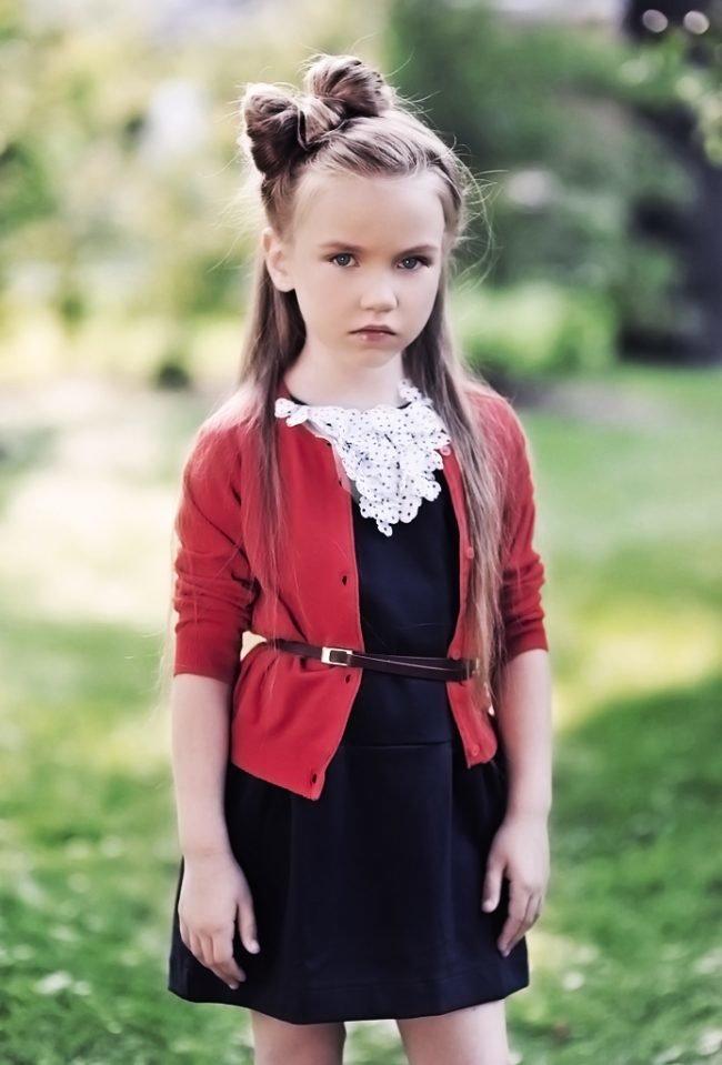pricheski-devochkam-na-vypusknoj-v-detskom-sadu_ (14)
