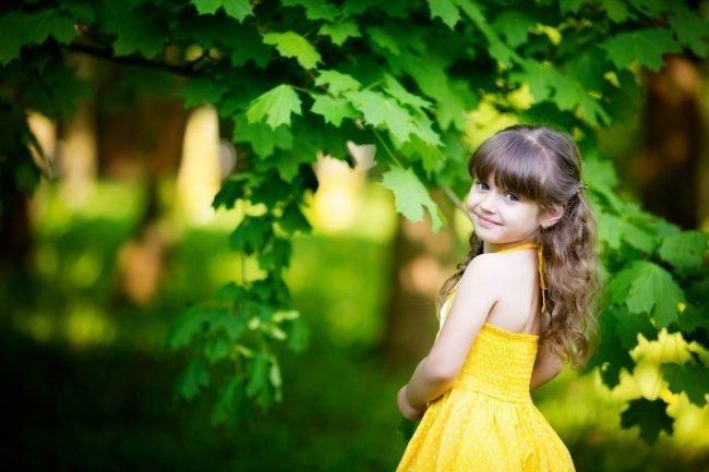 pricheski-devochkam-na-vypusknoj-v-detskom-sadu_ (3)