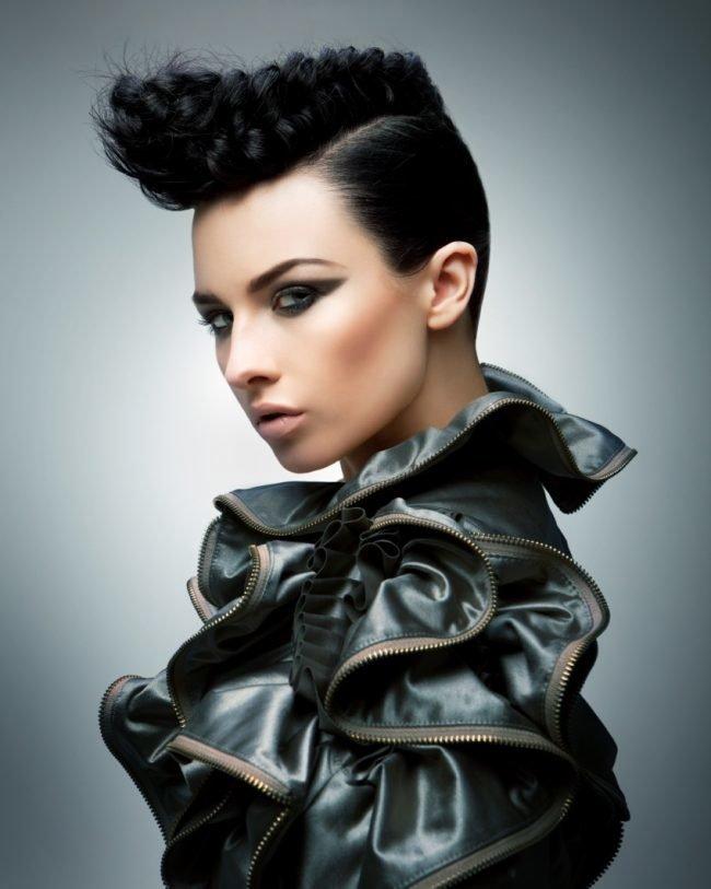 ukladka_na_korotkie_volosy_-34-650x813 Прически на короткие волосы своими руками
