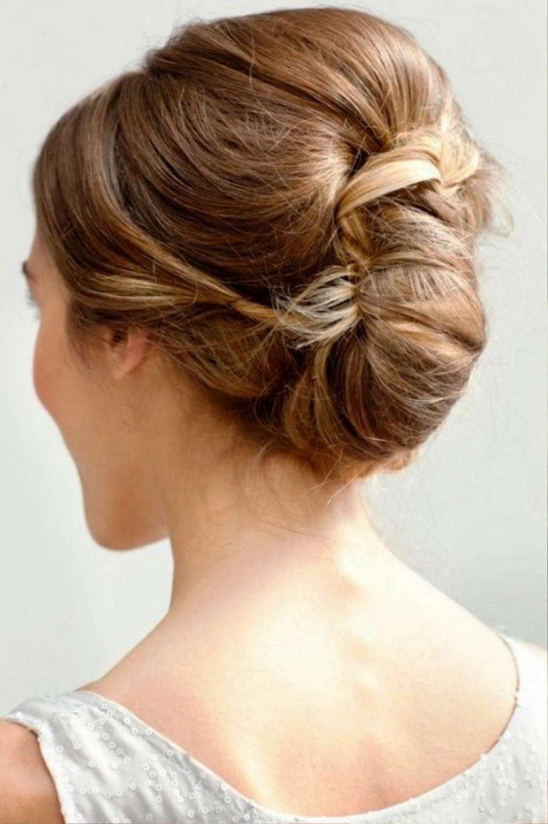 Прически для волос средней длины с заколками фото