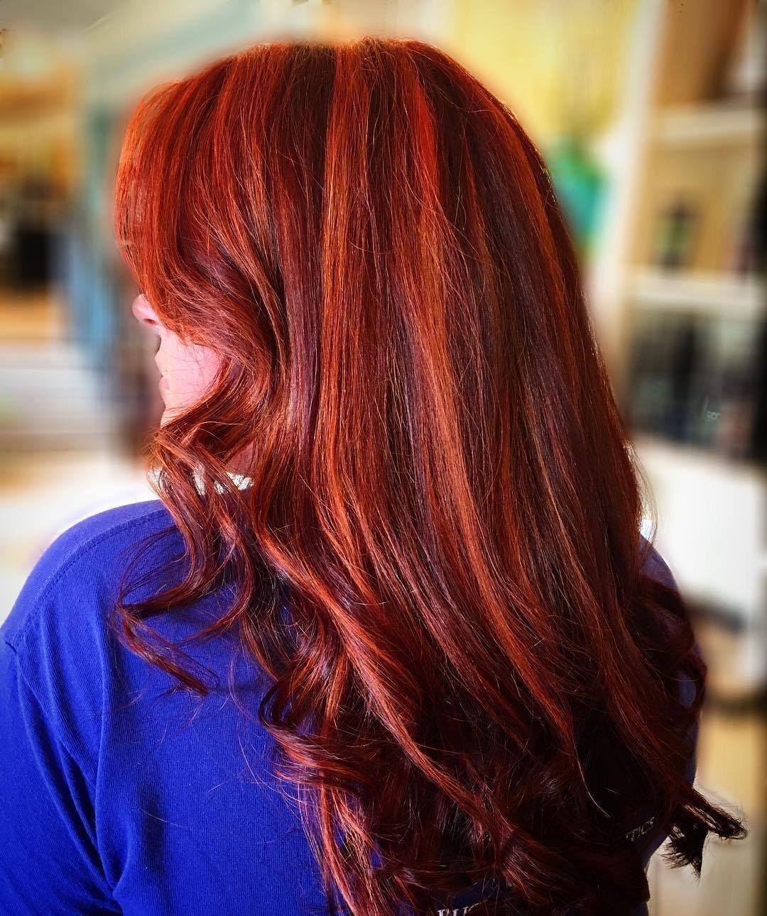 рыжие кончики на темных волосах