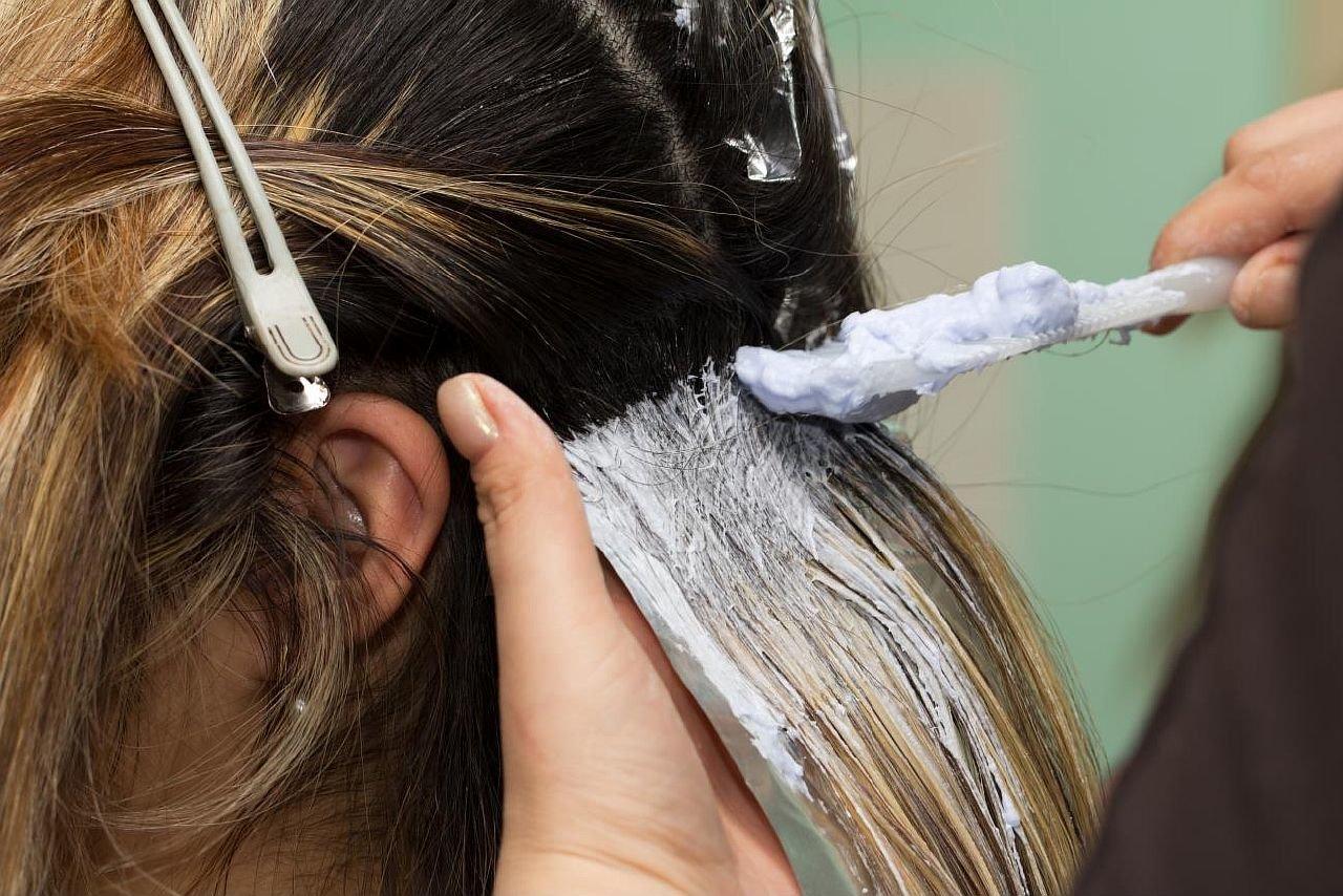 Как в домашних условиях сделать волосы темнее