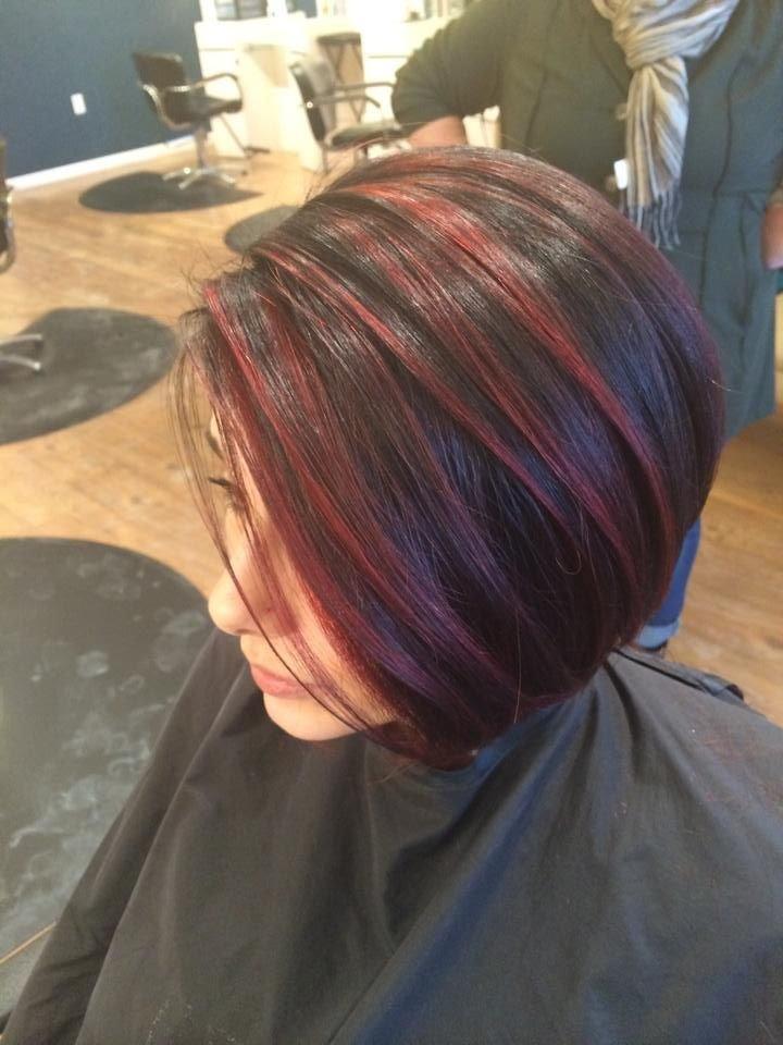 Красное мелирование на темные волосы фото