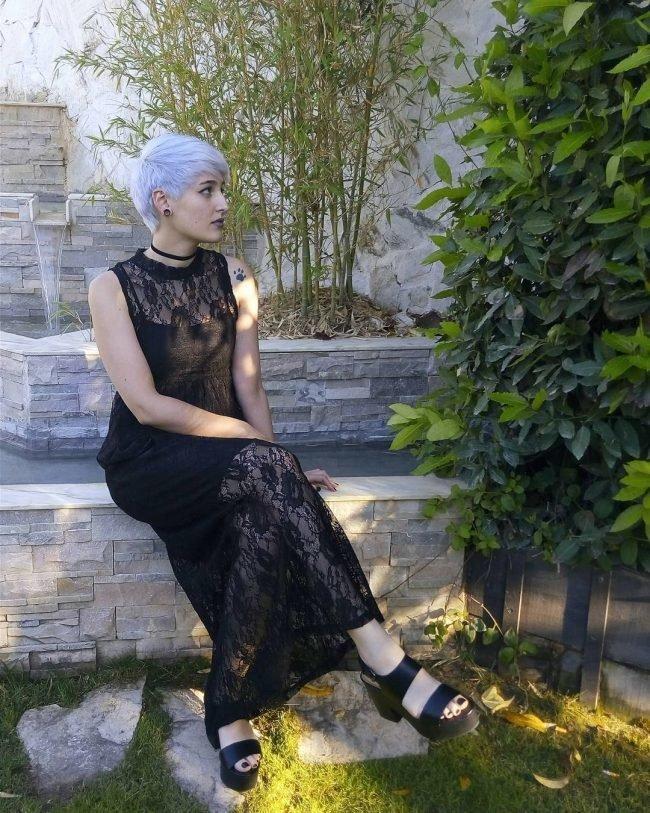 serye-volosy_-27-650x813 Модный цвет волос: фото 10 самых стильных звезд