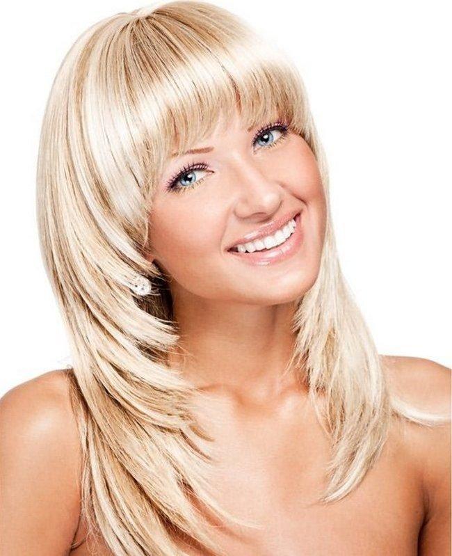 Фото стрижки лесенкой на длинные волосы с челкой