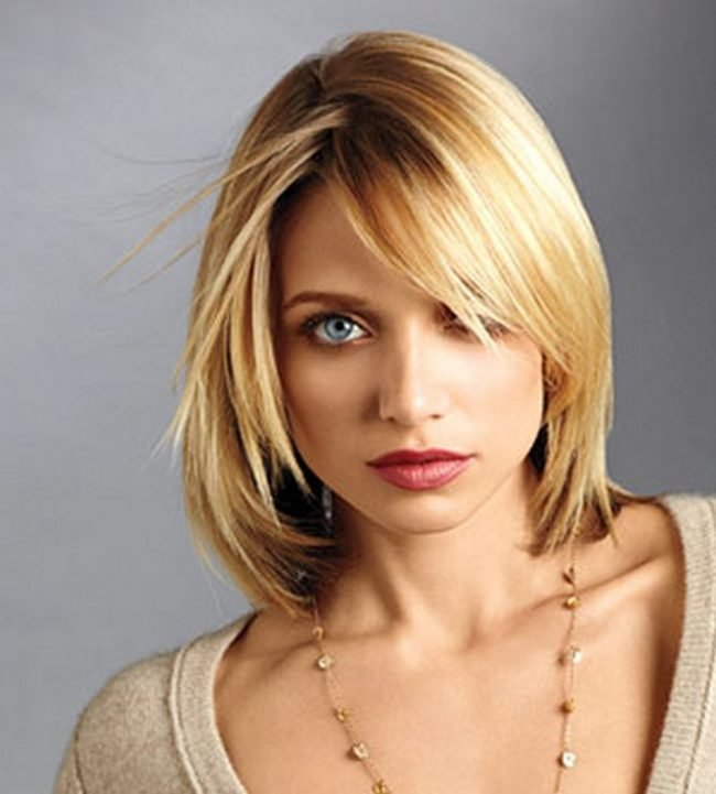 ukladki-na-srednie-volosy-v-domashnih-uslovijah_-27-650x721 Укладки на средние волосы в домашних условиях фото