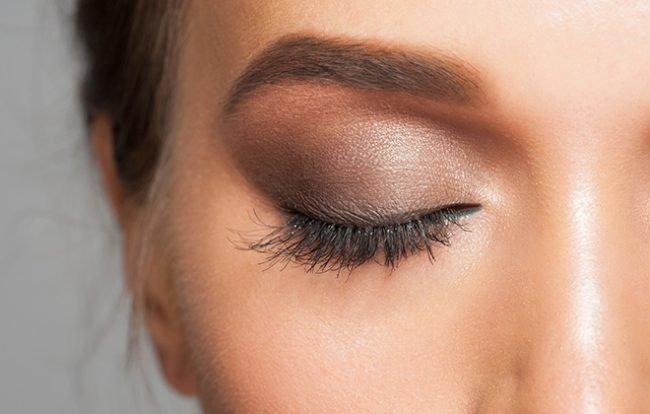 kak-pravilno-nanosit-makijazh-na-lico_ (54)