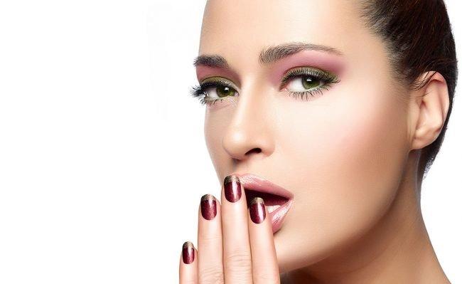 kak-pravilno-nanosit-makijazh-na-lico_ (57)