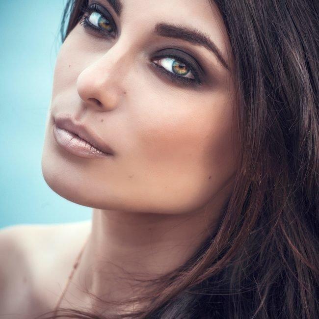 kak-pravilno-nanosit-makijazh-na-lico_ (29)