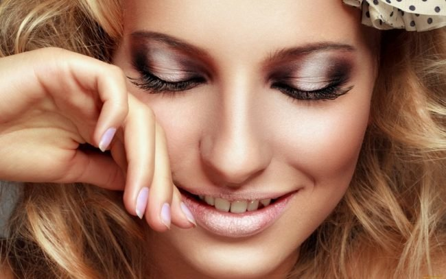 kak-pravilno-nanosit-makijazh-na-lico_ (34)