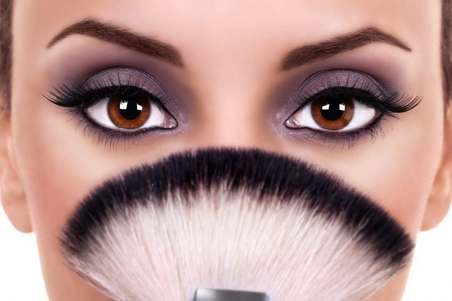 kak-pravilno-nanosit-makijazh-na-lico_ (38)