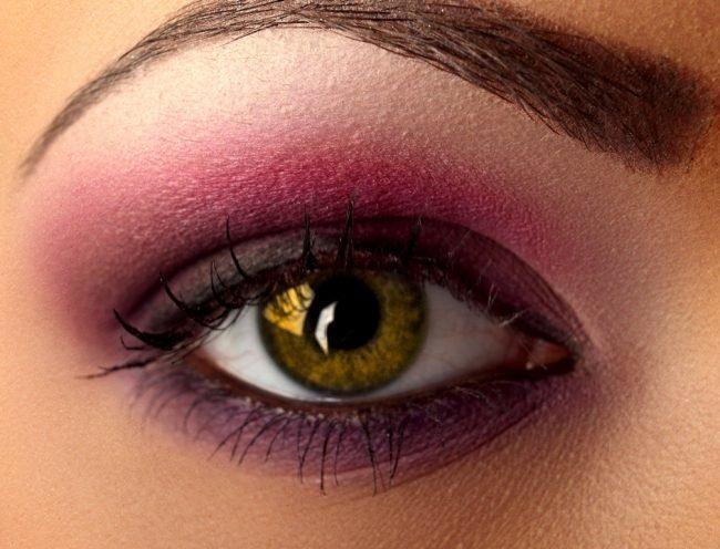 makiyazh-dlya-karix-glaz-poshagovoe-foto_-28-650x496 Блондинки с карими глазами - 164 фото макияжа