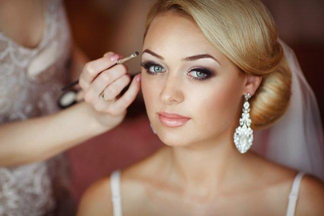 makiyazh_dlya_blondinok_s_golubymi_glazami_foto_ (36)