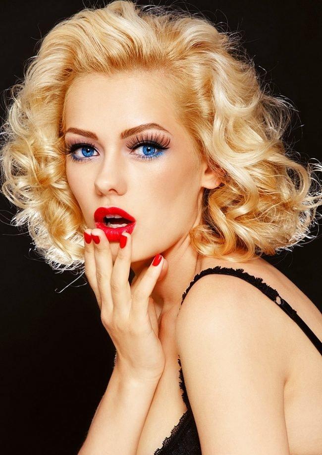 makiyazh_dlya_blondinok_s_golubymi_glazami_foto_ (4)