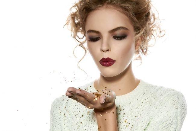 Вечерний макияж голубоглазым блондинкам
