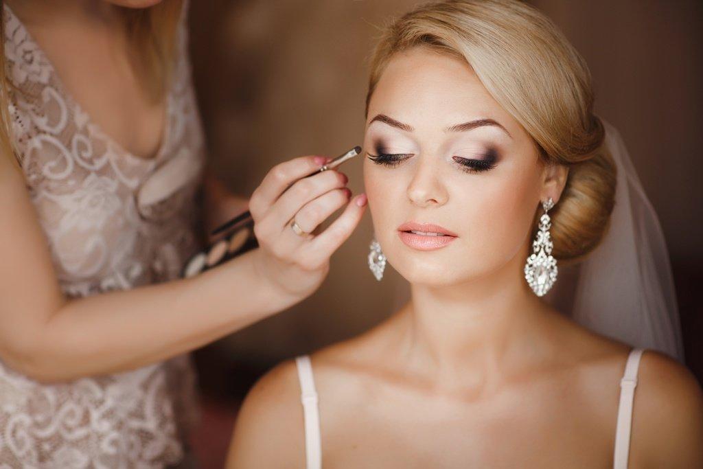 Свадебный макияж. Красивый свадебный макияж невесты