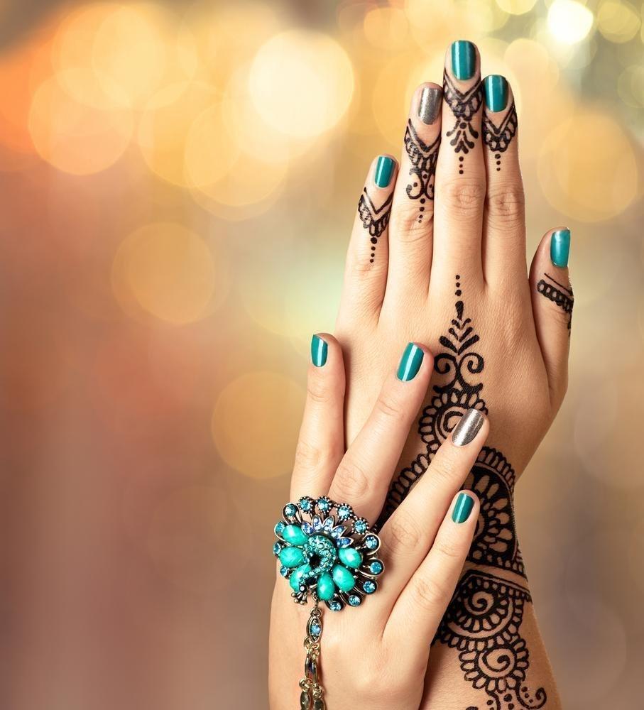 manikjur-na-korotkie-nogti-foto_-10 Красивый маникюр на короткие ногти 2019-2020: фото идеи маникюра на короткие ногти