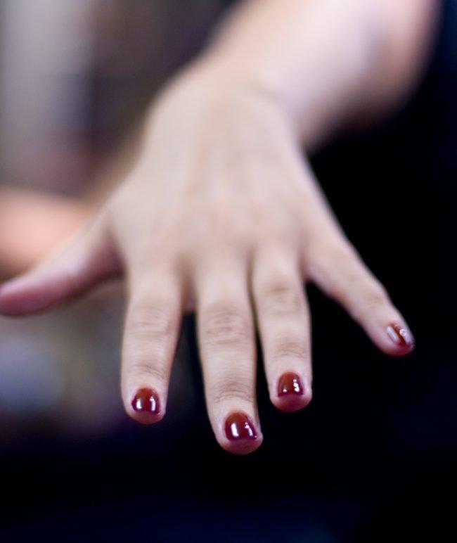 manikjur-na-korotkie-nogti-foto_-13-650x772 Красивый маникюр на короткие ногти 2019-2020: фото идеи маникюра на короткие ногти