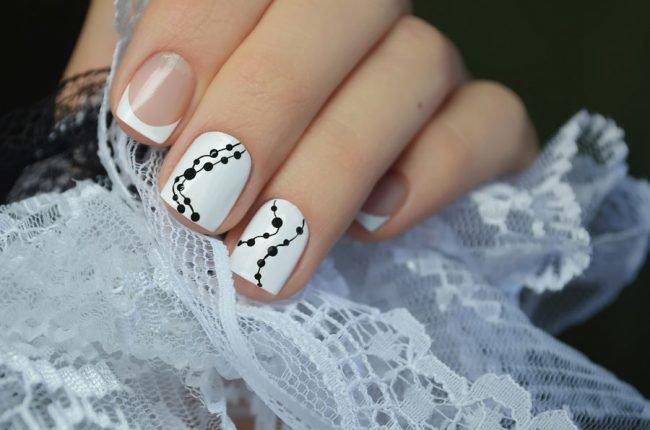 manikjur-na-korotkie-nogti-foto_-29-650x430 Красивый маникюр на короткие ногти 2019-2020: фото идеи маникюра на короткие ногти