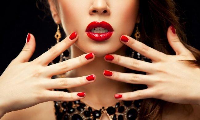 manikjur-na-korotkie-nogti-foto_-33-650x390 Красивый маникюр на короткие ногти 2019-2020: фото идеи маникюра на короткие ногти