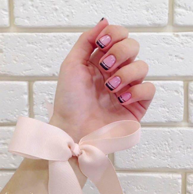 manikjur-na-korotkie-nogti-foto_-9-650x654 Красивый маникюр на короткие ногти 2019-2020: фото идеи маникюра на короткие ногти