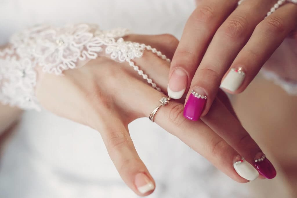 Свадебный маникюр 2020. Идеи для невесты ( 100 фото)