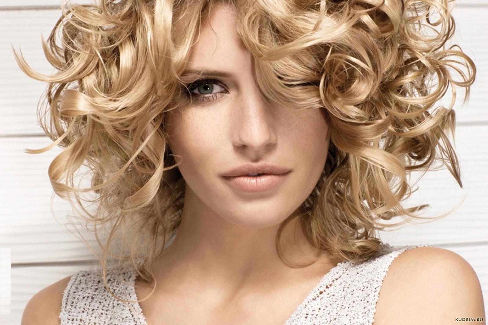 Чем завивать сухие волосы