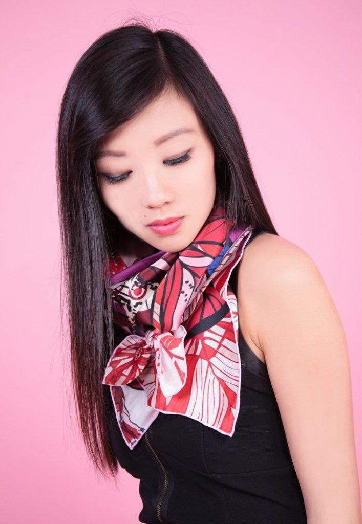 завязать красиво маленький шейный платок