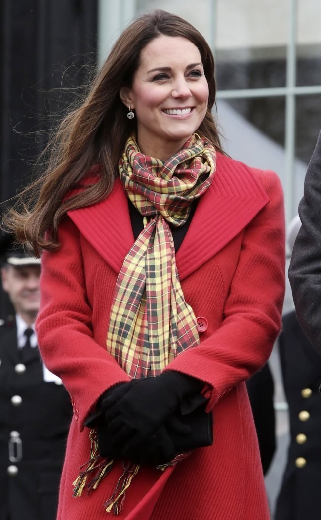 10 способов красиво завязать шарф на куртку, пальто, верхнюю ... | 1052x650