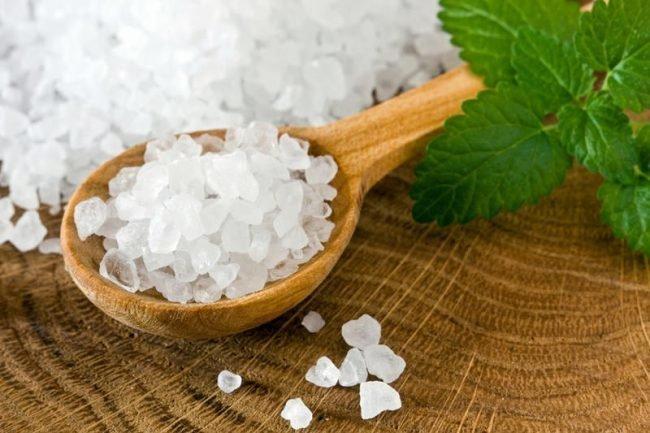 Как правильно употреблять соль в пищу