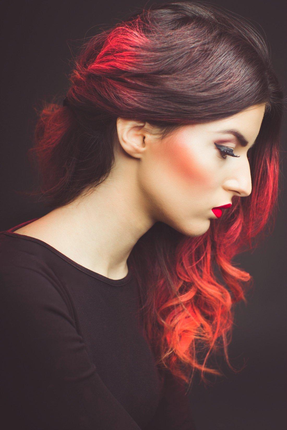 Какой краской сделать омбре на темных волосах фото 37